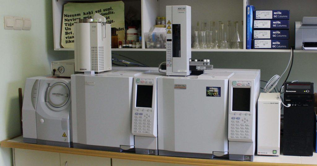 کروماتوگرافی گازی/ طیف سنجی جرمی (GC/MS)